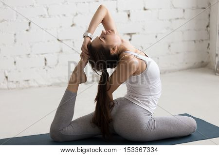 Yoga Indoors: Eka Pada Rajakapotasana