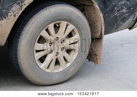 Wheel of pickups in dirty because through the use heavy in freight transportation product.