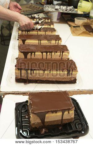 Making and decorating chocolate cake homemade work