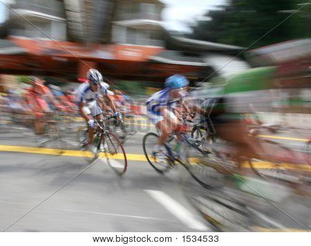 Ciclista en acción de Zoom
