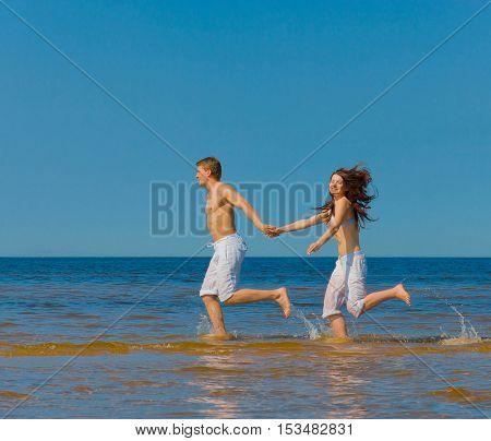 On a Honeymoon Fun Sea