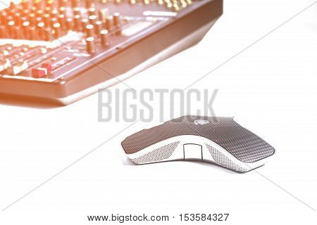 Digital microphone for conferencing on the Internet.