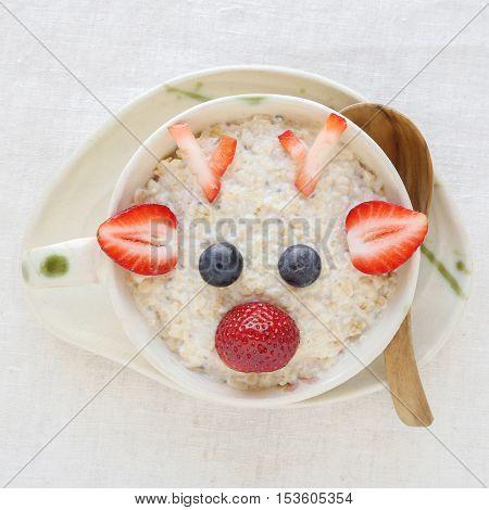 Reindeer Porridge Oatmeal Breakfast , Fun Christmas Food Art For Kids