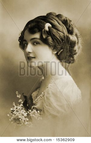 Beautiful girl in 1910