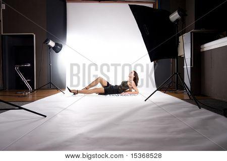 Im Fotostudio. Machen Foto auf weiß.