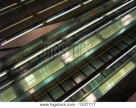 Escalator People Mover