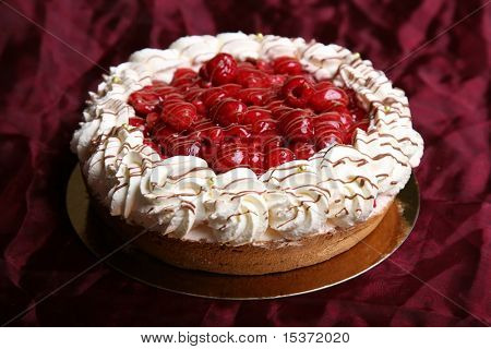 Raspberry  cheesecake whipped with white cream