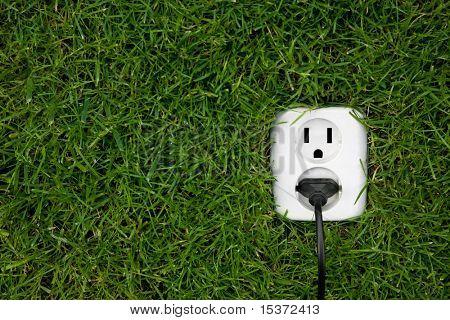 Energie Konzept Outlet im Gras