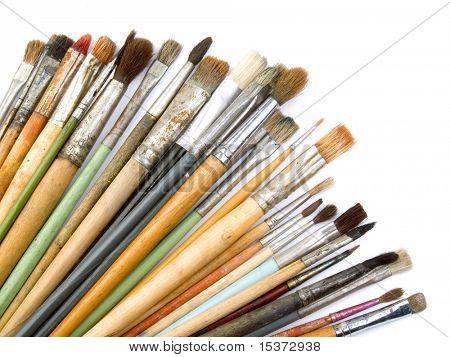 Pinceles de artista aislados en blanco