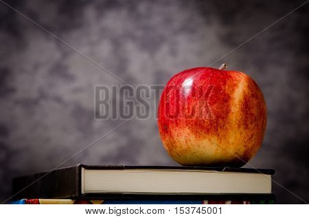 an image with apples. March 1 can be a delicious fruit flavored. and the color represents the contribution of sunlight on plants and fruit