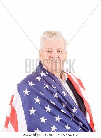 Wrap de homem sênior patriótica bandeira americana isolada