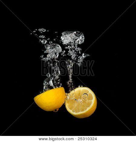 Lemond splashing into water