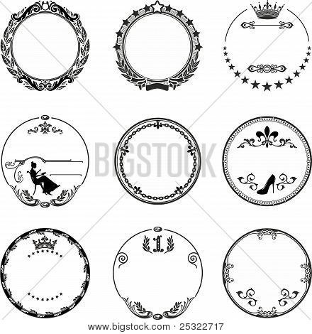 Round Frame With Ornaments An...