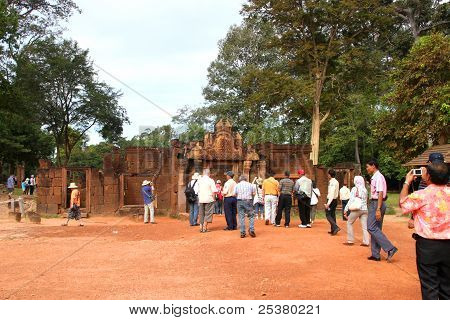 Travel In Banteay Srey