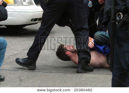Arrest on Liberty Street