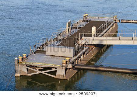 Pontoon Block / Bridge
