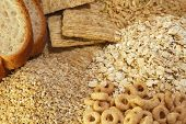 picture of whole-grain  - Grouping of whole grain foods rich in fiber - JPG