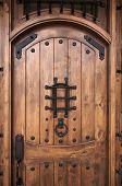 Постер, плакат: Замысловатые деревянные двери