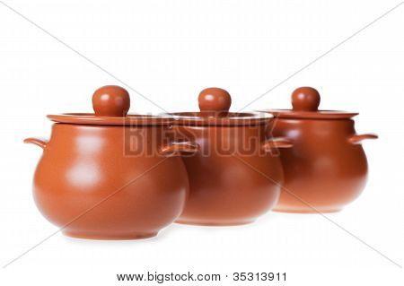 Clay pots for cooking i