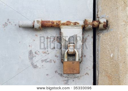 Door Latch With Padlock