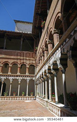 Toscana, claustro