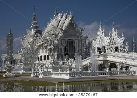 Fairytale Castle (Wat Rong Khun) Chiang Rai Thailand