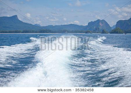 Speedy Boat Prop Wash