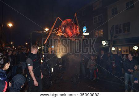 Insectes unten Römerstraße auf dem Greenwich und Docklands international Festival 23. Juni 2012