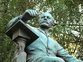 foto of tchaikovsky  - Monument to composer Peter Tchaikovsky before a conservatory building - JPG
