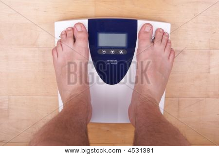 Scale With 2 Feet