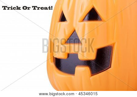 Halloween pumpkin lantern with 'Trick Or Treat'