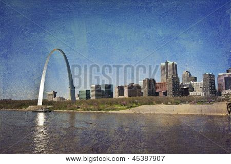 st. Louis skyline along the Mississippi River