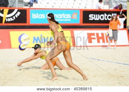 MOSCOW - JUNE 6: Athletes from USA batter in Country Quota at tournament Grand Slam of beach volleyball 2012, on June 6, 2012 in Moscow, Russia.