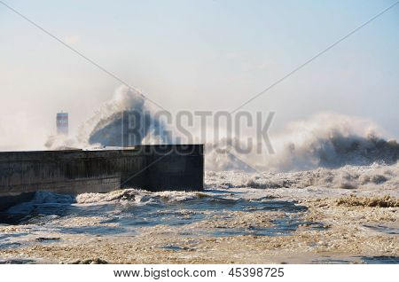 Strong waves hitting the coast