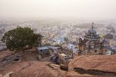 picture of pillayar  - Famous Rockfort Ucchi Pillayar Temple in Tiruchirappalli  - JPG
