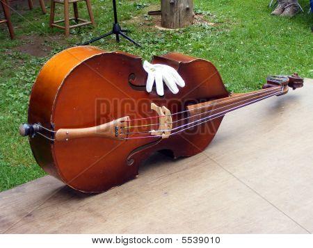 Resting Bass