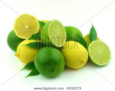 reif Zitronen und Limetten