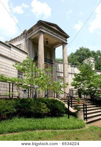 Burritt Museum Entrance