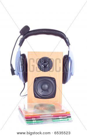 Headphone On Loudspreaker