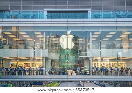 HONG KONG - AUGUST 27: customers inside Apple store in Hong Kong on AUGUST 27, 2013 . The first Apple Store in Hong Kong, being the 100th overseas store outside the USA opened on September 24, 2011