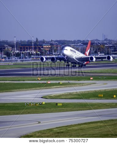 Airbus Industrie A380 (VH-OQL)-- Qantas Airways