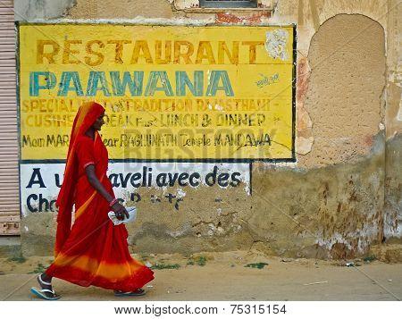 Mandawa Woman And Ad