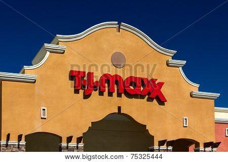 T.j. Maxx Retail Store Exterior