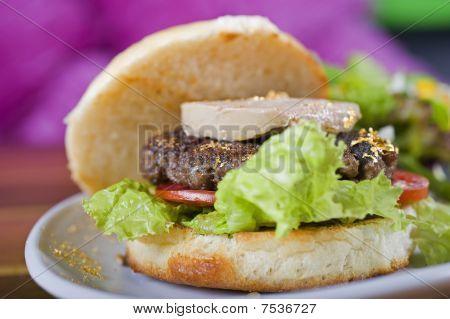 Hamburguer gourmet com foie gras