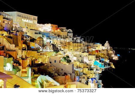 Fira, Greece - May 18: The Tourists Enjoiying Their Vacation On Santorini Island On May 18, 2014 In