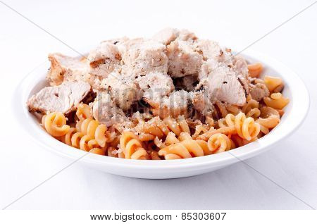 Tomato Sauce With Diced Chicken And Fresh Whole Wheat Rotini No
