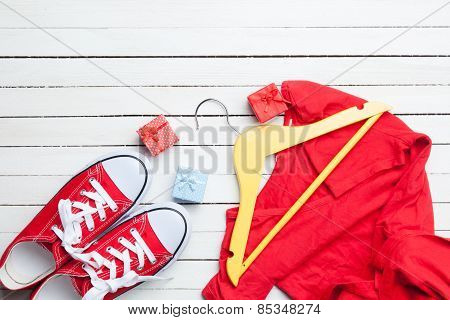 Gumshoes And Gifts With Dress