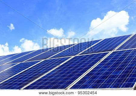Many Photovoltaic Cells