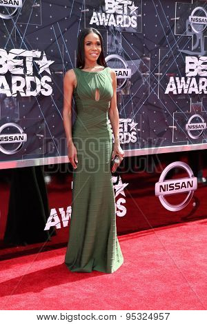 vLOS ANGELES - JUN 28:  Michelle Williams at the 2015 BET Awards - Arrivals at the Microsoft Theater on June 28, 2015 in Los Angeles, CA