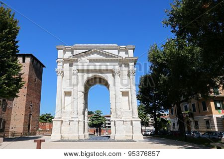 VERONA, ITALY - SEPTEMBER 2014 : Arch of Gavi (Arco dei Gavi) in Verona, Italy on September 14, 2014. It was built in the 1st century by the gens Gavia and used as entrance gate during Middle Ages